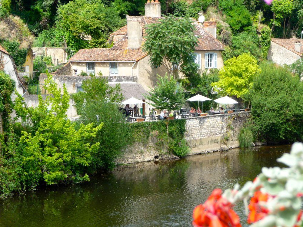 Roman des Saveurs - La Terrasse vue du Pont