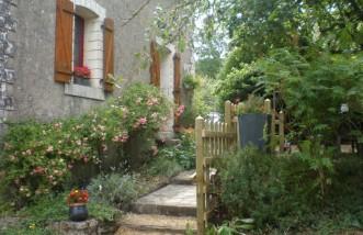 Ydier-Gîte et chambre d'hôtes-Jardin