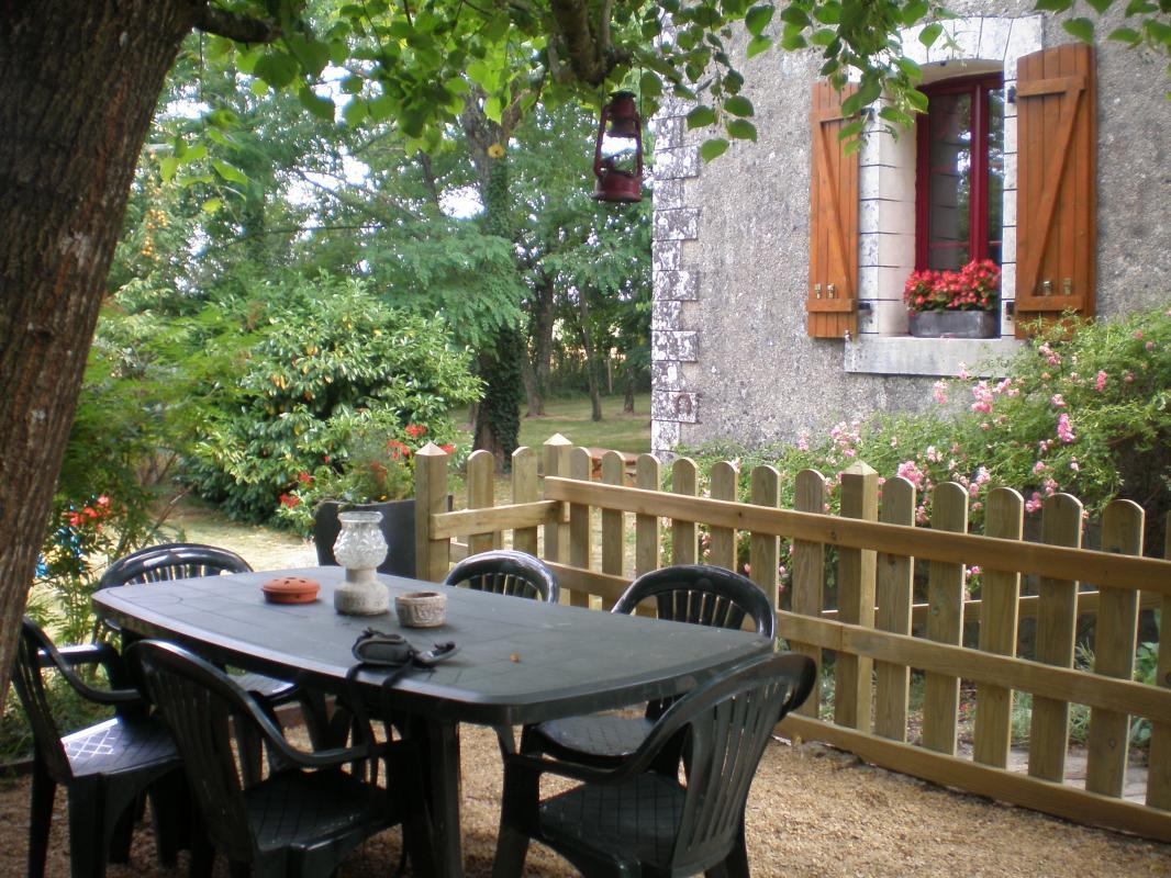 Ydier-Gîte et chambre d'hôtes-Terrasse