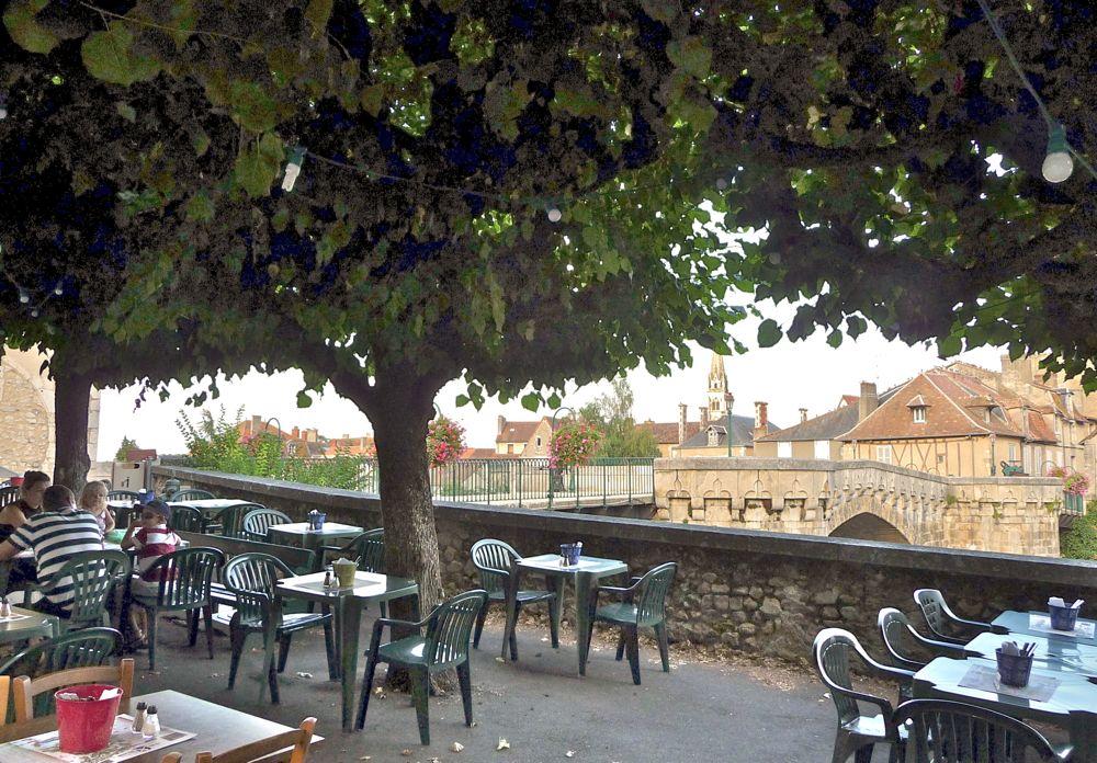 creperie-du-brouard-terrasse-montmorillon